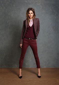 Shop this look on Lookastic: https://au.lookastic.com/women/looks/cardigan-blazer-dress-shirt/14401   — Pink Dress Shirt  — Burgundy Cardigan  — Black Leather Belt  — Burgundy Skinny Jeans  — Black Leather Pumps  — Burgundy Wool Blazer