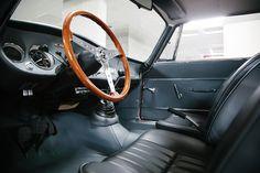 Deze Alfa Romeo Giulia GT uit 1965 wordt te koop aangeboden in Portugal. Het betreft een vroege GT dat het grootste gedeelte van zijn carriere als racer is