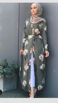 "Open kimono dress in hijab fashion.❤❤""Hijab means clothe yourself with compassion, kindness, humility, gentleness and patience"" - anonymous❤❤ Islamic Fashion, Muslim Fashion, Modest Fashion, Fashion Dresses, Chemise Fashion, Abaya Fashion, Moda Hijab, Modest Dresses, Modest Clothing"