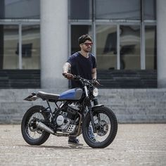 Marco di Marcelloworks as a physiotherapist—but he has build custom Honda Dominator NX650 worthy of a pro garage. - Bike EXIF