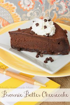 Brownie Batter Cheesecake - Bake up this decadent, chocolatey cheesecake using dry brownie mix, cream cheese, butter, and whipping cream! No Bake Desserts, Just Desserts, Delicious Desserts, Dessert Recipes, Baking Recipes, Yummy Food, Chocolate Cheesecake, Chocolate Desserts, Brownie Cheesecake