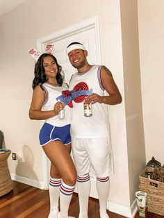 Lola and bugs bunny 🐰 Couples Halloween Outfits, Bunny Halloween Costume, Halloween Costumes Women Scary, Cute Couples Costumes, Trendy Halloween, Couple Costumes, Lola Space Jam Costume, Bugs And Lola Costume, Lola Bunny Costume
