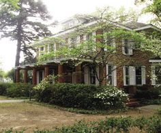 The Steel Magnolia House is a historic district gem