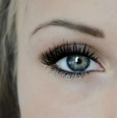 Neutral eye makeup. This. Is. Beautiful.