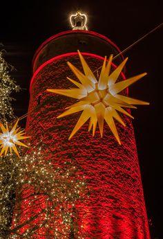 ღღ Kitzingen, Lower Franconia/Germany ~~~ Falterturm - illuminated tower by haen son Kitzingen Germany, Maine, Christmas Bulbs, Tower, Munich, Holiday Decor, Wine Country, Carnavals, Rook