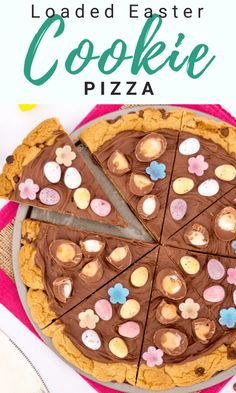 This Easy Easter Chocolate Cookie Pizza is a real showstopper! Easy to make, looks incredible and tastes even better! Get the kids baking this Easter. Easy No Bake Cookies, Easy Chocolate Chip Cookies, Easter Chocolate, Easy Main Course Recipes, Fun Easy Recipes, Easy Desserts, Mini Egg Recipes, Easter Recipes, Cookie Recipes