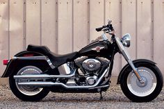 My dream bike. the Harley Fat Boy (although mine wouldn't look like this! Hd Fatboy, Harley Fatboy, Harley Davidson Fatboy, Harley Bikes, Harley Davidson Motorcycles, Ghost Rider 2007, Cruiser Motorcycle, Arch Motorcycle, Boy Pictures