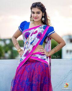 Beautiful Girl Photo, Beautiful Girl Indian, Beautiful Saree, Beauty Full Girl, Beauty Women, Beauty Girls, Real Beauty, Most Beautiful Bollywood Actress, South Indian Actress Hot