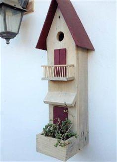 diy pallet bird house #birdhouseideas #birdhouses #diybirdhouse