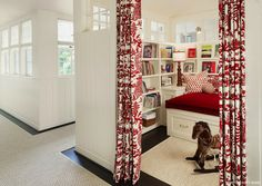 love this playroom, it's got a boutique vibe!