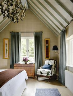 An unconventional country cottage in Sussex by Beata Heuman Beata Heuman, Bedroom Furniture, Bedroom Decor, Painting Furniture, Bedroom Colors, Rustic Furniture, Inglenook Fireplace, Dining Room Blue, Modern Bedroom