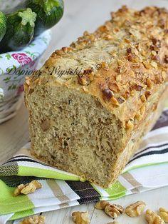 Chleb jest mówiąc jednym słowem pyszny. Bardzo nam smakuje. Dodatek cukinii sprawia, że jest bardzo wilgotny, a orzechy włoskie nadają...