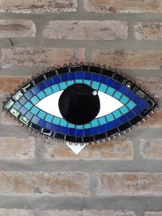 Olho Grego Mosaico by alexaribe Mosaic Garden Art, Mosaic Tile Art, Mosaic Crafts, Mosaic Projects, Stone Mosaic, Mosaic Glass, Faux Stained Glass, Stained Glass Designs, Hamsa Art