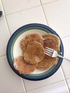 Whole Wheat Pancakes // hungry + yummm