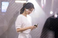 (14) #김태리 hashtag on Twitter Signature Look, Korean Beauty, Movie Stars, Ulzzang, White Dress, Wattpad, Actresses, Womens Fashion, People