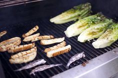 Grilled romaine, grilled bread, and grilled anchovies. Can you guess what's being made? Barbecue Ribs, Barbecue Recipes, Grilled Caesar Salad Recipe, Perry Recipe, Grilled Romaine, Grilled Bread, Popsugar Food, Mini Foods, Side Salad