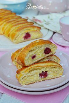 A legomlósabb linzer Hungarian Cake, Hungarian Recipes, Baking Recipes, Cookie Recipes, Healthy Recipes, Eat Pray Love, Strudel, Winter Food, Cake Cookies