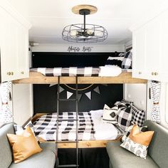 Living in an RV is such an amazing thing to do, right? When you need to makeover your RV interior, you can consider farmhouse style. Fendt Caravan, Bunk Bed Sets, Rv Bunk Beds, Caravan Bunk Beds, Hymer, Zipper Bedding, Camper Makeover, Camper Renovation, Toy Hauler