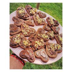❤️🍪 Cine vrea 🍪🍪🍪? ❤️ . . . Reteta este in bio 🤗 . . .  #reteteculinare #retetesimple #mancare #mancarebuna #copii #copiifericiti #copiifrumosi #pentrucopii #mamici #mama #viatademamica #mamica #mamamoderna #retetemamamoderna #românia #biscuits #biscuiti #ciocolata Biscuits, E Simple, Baby Food Recipes, Thats Not My, Instagram, Recipes For Babies, Crack Crackers, Recipes For Baby Food, Cookies