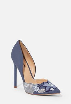 49 Summer Shoes You Will Definitely Want To Keep - Shoes Crowd - 49 Summer Shoes You Will Definitely Want To Keep – Shoes Crowd 49 Summer Shoes You Will Definitely Want To Keep Pretty Shoes, Beautiful Shoes, Zapatos Shoes, Shoes Heels, Look Fashion, Fashion Shoes, Fashion Women, Fashion Trends, Pumps