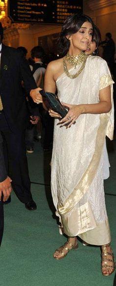 Whattay Saree! And the Jewellery! @sonamakapoor