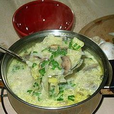 Zupa z kapusty pekińskiej. Soup Recipes, Cooking Recipes, Polish Recipes, Slow Food, Frugal Meals, Recipes From Heaven, Frugal Living, Soups And Stews, Curry