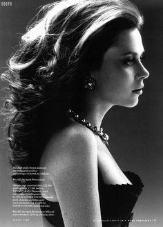 pics of anna friel vanity fair magazine august 2009
