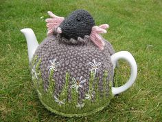Ravelry: I am a Mole (and I live in a hole) Tea Cosy pattern by Lindsay Mudd. yes please!