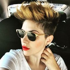 50 Women's Undercut Hairstyles to Make a Real Statement - Hairstyles 2019 Undercut Hairstyles Women, Short Hair Undercut, Undercut Women, Short Hairstyles For Women, Pretty Hairstyles, Shaved Hairstyles, Hairstyles 2018, Short Hair Cuts For Women, Short Hair Styles