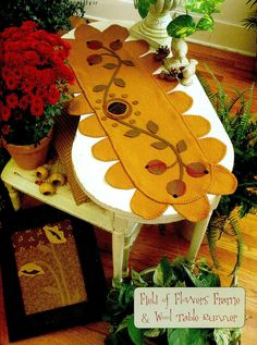 Heartstrings by Ginger Cookie Company - Field of flowers frame, Wool table runner
