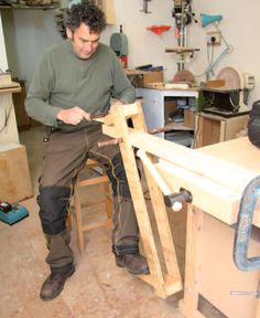 to Make a Benchtop Shaving Horse Learn how to make a benchtop shaving horse and save room in your shop.Learn how to make a benchtop shaving horse and save room in your shop. Woodworking Courses, Green Woodworking, Woodworking School, Woodworking Workbench, Woodworking Workshop, Woodworking Projects, Wood Carving Tools, Wood Carving Patterns, Wood Tools