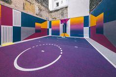 프랑스 기반으로 활동하고 있는 브랜드 피갈(PIGALLE)이 다시 한번 기가막힌 프로젝트를 이어갔다. 예전 주택가를 이용해 농구 코트를 제작했다. 러시아 화가 카지미르 말레비치(Kazimir Severinovich) 작..