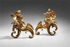 PAIRE DE CHENÊTS D'ÉPOQUE LOUIS XV En bronze ciselé et doré, représentant un couple de personnage