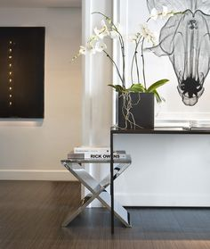 contemporary entrance hall - clean styling in black and white - Portfolio | Michael Dawkins Home