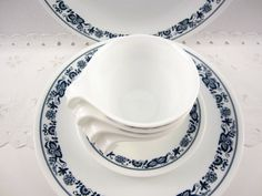 Corelle - Old Town Blue (Favorite Vintage Corelle) I had this whole set for a seating of 8, my mom bought it for me at auction, ,we lost it when we had the housefire. I would love to re-collect it my favorite pattern hands down!