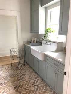Durham Laundry/Mud Room How to Design a Mortar Washed Brick Floor - Hammers N Hugs Your One Year-Old Laundry Room Inspiration, Brick Floor Kitchen, Kitchen Flooring, Farmhouse Laundry Room, Modern Farmhouse Kitchens, Farmhouse Flooring, Kitchen Design, Kitchen Remodel, Brick Kitchen