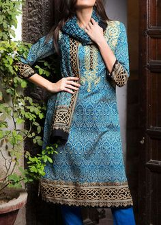 Pakistani Casual Wear, Pakistani Lawn Suits, Salwar Kameez Online, Shalwar Kameez, Salwar Suits, Kurti Collection, Short Tops, Nice Dresses, Awesome Dresses