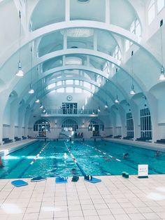 Arquitectura Wallpaper, Swimming Pictures, Paris 13, School Hallways, Blue Aesthetic Pastel, School Building, School Architecture, Private School, School Design