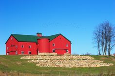 ohio barns--I pass this barn on the way to Cleveland all the time! Its even more beautiful in person