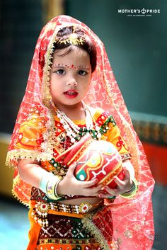 Baby Krishna, Lord Krishna, Shree Krishna, Cute Babies Photography, Children Photography, Cute Baby Girl Pictures, Baby Photos, Baby Girl Wallpaper, Indian Baby