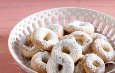 Greek Easter, Greek Desserts, Onion Rings, Bagel, Doughnut, Biscuits, Food And Drink, Sweets, Sugar