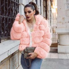 A Complete Guide to Choosing The Perfect Coat That Complements Your Taste This Season - Best Fashion Tips Pink Fur Coat, Fox Fur Coat, Fur Coats, Cozy Fashion, Fur Fashion, Womens Fashion, Fashion Beauty, Fur Coat Outfit, Faux Fur Hoodie