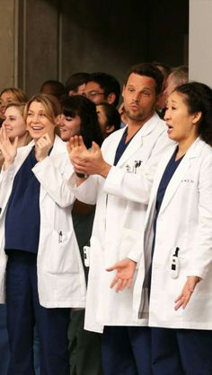 While watching april's proposal skit grey's anatomy em 2019 Anatomy Grey, Grays Anatomy Tv, Cristina Yang, Anatomy Images, Lexie Grey, Gray Aesthetic, Sandra Oh, Dance It Out, Pretty People