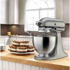 KitchenAid Classic 4.5 Qt Stand Mixer - so worth every penny!!!
