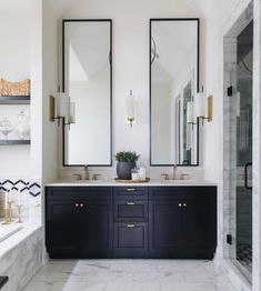 Bathroom Inspiration : Timber Trails Homes The Definitive Source for Interior De. - Bathroom Inspiration : Timber Trails Homes The Definitive Source for Interior Designers - Bad Inspiration, Bathroom Inspiration, Bathroom Renos, Small Bathroom, Bathroom Ideas, Bathroom Black, Master Bathrooms, Bathroom Renovations, Bathroom Modern