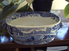 Early Spode Staffordshire tureen