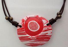 """Halsschmuck """"Lucent Eye""""- Lederhalsband mit schönem Anhänger – Unikate Schmuck Red Fashion, Jewelry Shop, Washer Necklace, Colours, Shopping, Diy, Pendants, Watch, Neck Chain"""