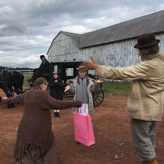 Amybeth Mcnulty, Gilbert And Anne, Anne White, Superhero Memes, Anne With An E, Anne Shirley, Book Tv, Favorite Tv Shows, Behind The Scenes