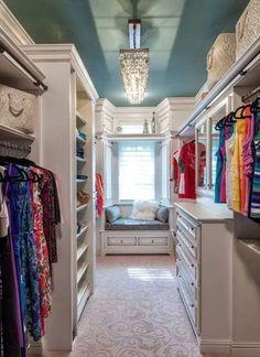Vestidor abierto en la habitación: 5 consejos pro para organizarlo