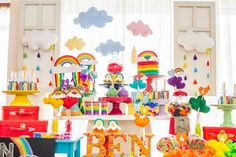 Mesversários do Ben a 6 meses) Rainbow Parties, Rainbow Birthday Party, Birthday Parties, Themed Parties, Junior Express, Twin Gender Reveal, Childrens Party, Kids And Parenting, Party Themes